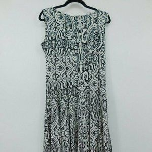 Haani Petite Fit and Flare Dress size Large